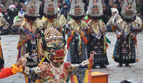 合作寺院举行跳神节