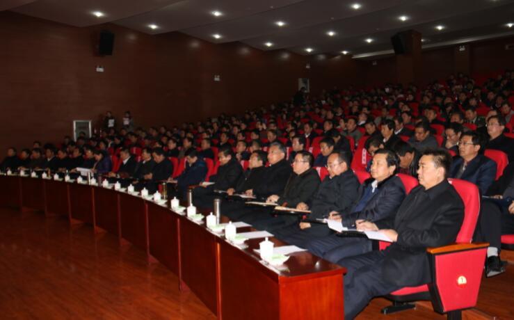 俞成辉在卓尼县宣讲党的十八届六中全会精神