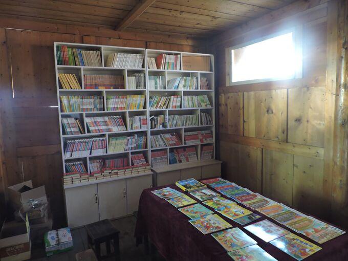工商牵线企业捐赠 共建双联爱心书屋