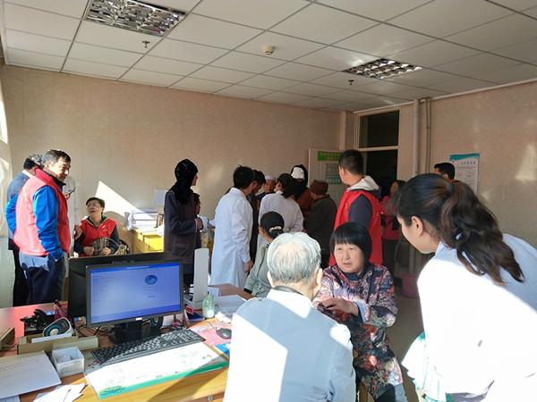 情暖人心,上海医疗专家走进夏河开展义诊活动