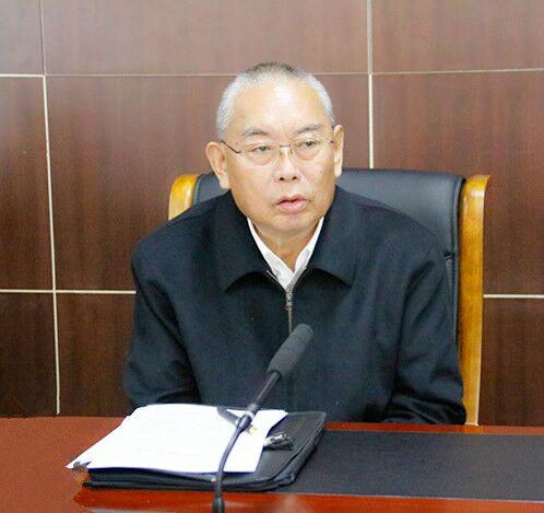 嘉木样出席临潭县宗教界人士座谈会