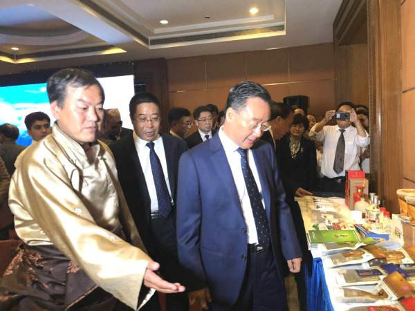 唐仁健视察指导甘南州文化旅游暨特色农畜产品在尼泊尔的推介活动