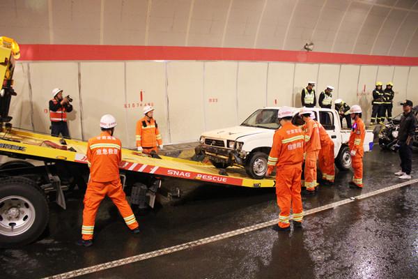 临合高速合作所联合各涉路单位开展隧道突发事件综合应急处置演练活动