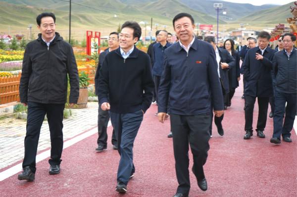 天津市检查督导组在甘南检查督导援甘对口支援工作